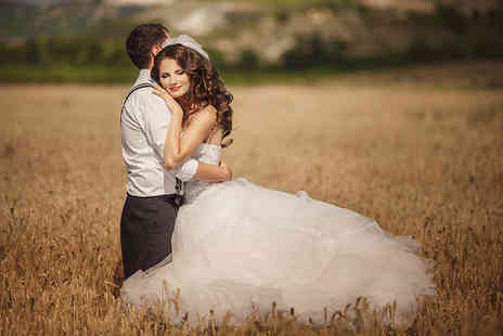 The Gables Hotel - Deluxe wedding package including four poster bridal suite, photography and more - Save 50%