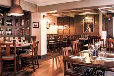 The Ship Inn - Three course meal & bubbly for 2 - Save 47%