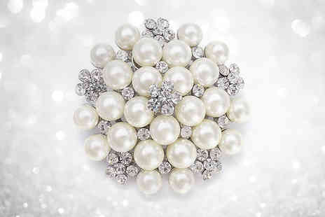 Solo Act - Pearl and crystal snowflake brooch - Save 79%