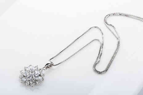 Van Amstel diamond - Crystal Flower Pendant Necklace - Save 81%