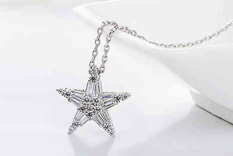 Van Amstel diamond - Crystal Star Necklace - Save 0%