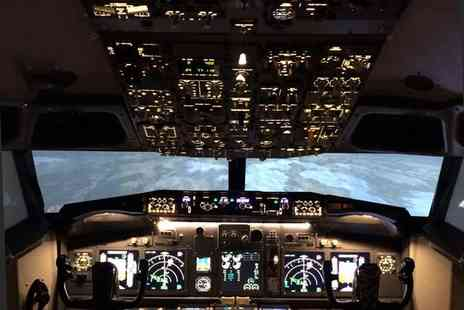 Flightdeck Simulator - 30 or 60 minute Boeing 737 flight simulator experience - Save 51%