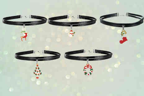 London Exchain Store - Set of five Christmas chokers - Save 77%