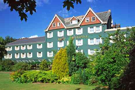 Metropole Hotel - Wales getaway with 6 course dinner & champagne - Save 54%