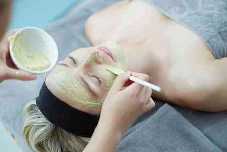 Nuzuri - Deluxe Facial Treatment - Save 28%