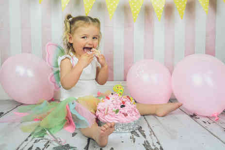 "David Boynton Photography - Cake smash photoshoot including four 7"" x 5"" prints and a digital image - Save 91%"