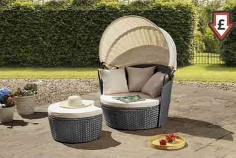 Groupon Goods Global GmbH - Valencia Rattan Effect Day Bed With Free Delivery - Save 52%