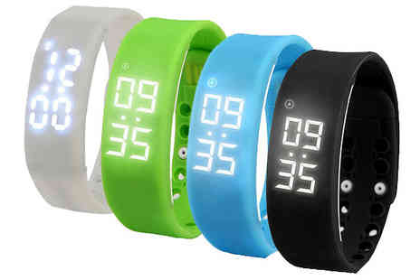 Ugoagogo - Kids Smart Fitness Activity Watch in 4 Colours - Save 50%