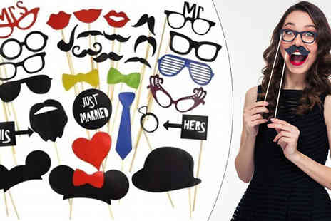 DML Solutions - 31 Piece Selfie Props Kit - Save 62%