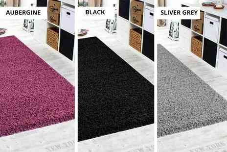Funky Buys - Shaggy rug choose from five sizes and 11 colours - Save 67%