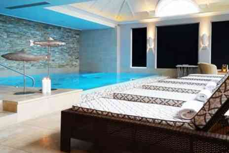Bespoke Hotels - Cotswolds spa treat including 60 min massage & lunch - Save 41%