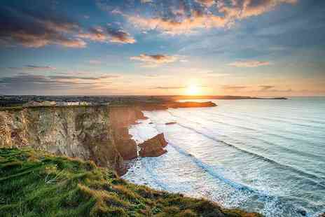 Breaks in Cornwall - Two or three night stay for two with breakfast, three course dinner on first night and two 200ml bottles of Prosecco - Save 59%