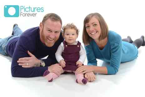 "Pictures Forever - Family photoshoot with three 7"" x 5"" prints - Save 91%"