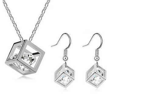 Candy Chic - Silver plated crystal cube necklace and earrings set - Save 92%