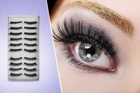 Treats on Trend - 8 magnetic eyelash extensions plus delivery included - Save 60%