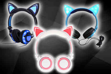 Gilded Olive - Pair of LED cat ear headphones - Save 78%