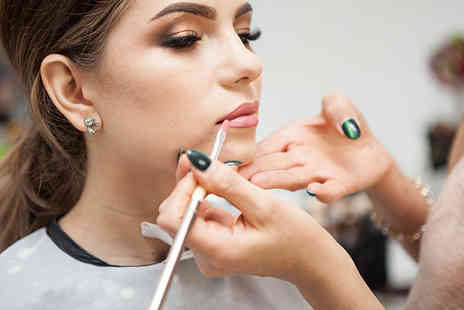 Derma Lase - Accredited five day cosmetic makeup course - Save 0%