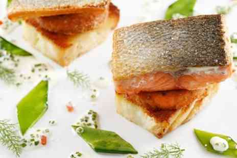The Queens Arms - Delicious 2 AA Rosette tasting menu for 2 - Save 47%