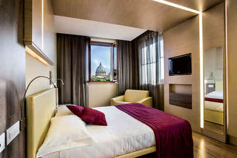 Hotel Il Cantico - Three Star Views of St Peters Basilica on Stylish Roman Holiday For Two - Save 77%