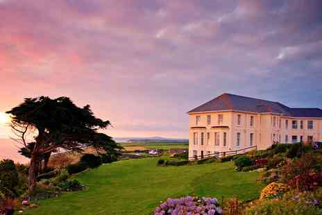 Polurrian Bay Hotel - Clifftop Cornwall break with meals - Save 0%