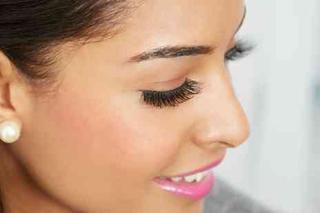 Spencers Hair Salon - Full Set of Eyelash Extensions Plus Optional Eyebrow Wax and Tint - Save 56%