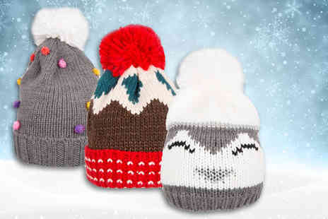 London Exchain Store - Christmas pom pom beanie hat, have a cosy Crimbo - Save 75%