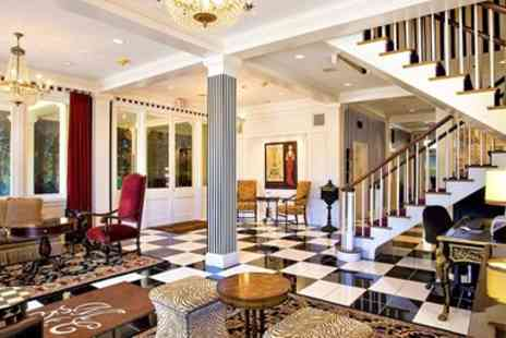 Maison St. Charles Hotel & Suites - Garden District Boutique w/Breakfast, Save 45% - Save 0%