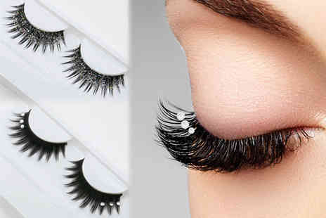 GetGorgeous - One or two pair of false party lashes - Save 77%