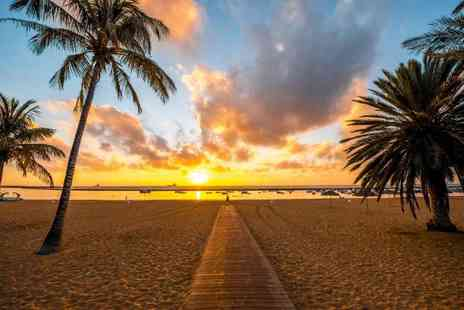Loloflights - Return flights to Tenerife over the Christmas - Save 74%