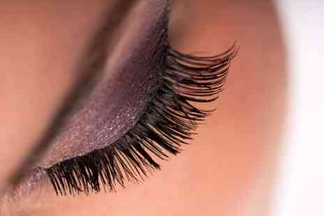Beautique Salon - Full Set of Eyelash Extensions - Save 42%
