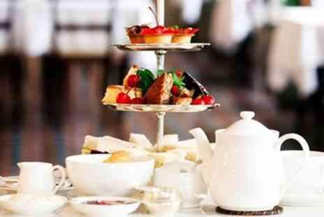 Corbyn Head Hotel - Afternoon tea with bubbly for 2 - Save 46%