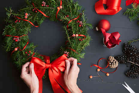 The Flower Pot Florist - Wreath making workshop plus mulled wine and mince pie - Save 47%