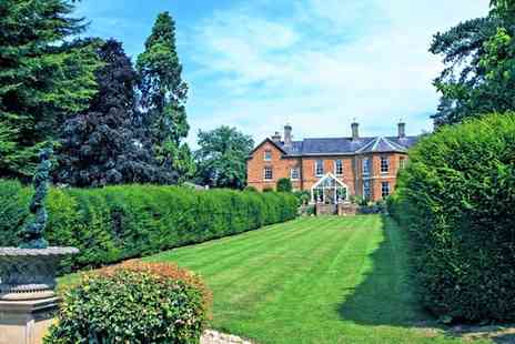 Sedgebrook Hall - Standard Room for Two with Breakfast, Leisure Access and Option for Dinner - Save 0%