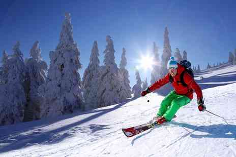 Swadlincote Ski Centre - Three Fast Track Skiing or Snowboarding Lessons - Save 55%