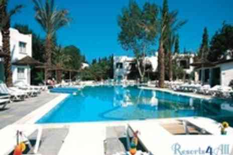Resorts 4 All - 7 Nights in Cyprus for 2 Adults and 2 Children (One Bedroom Apartment, Sleeps 4) - Save 50%