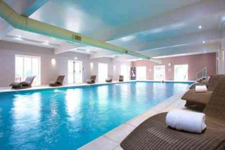 Hallmark Hotel Manchester - Four Star One Night Stay for two with Breakfast, Health Club & Option for Wine, Dinner, Treatment - Save 37%