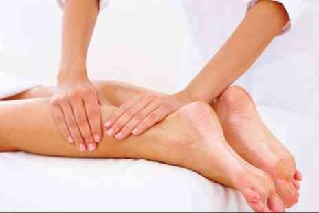 Therapists on the High Street - Three 30 minute massage therapy treatments - Save 79%