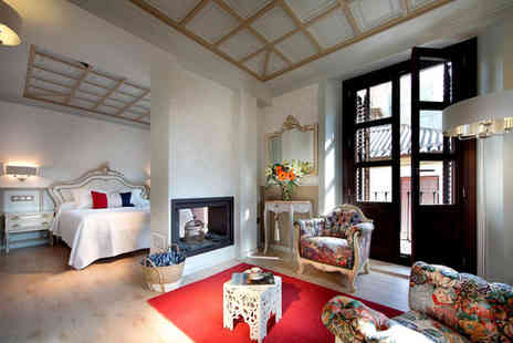 Casa Palacete 1822 - Four Star Unique Themed Rooms near the Puerta Real For Two - Save 33%