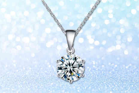Your Ideal Gift - Solitaire necklace made with crystals from swarovski - Save 92%