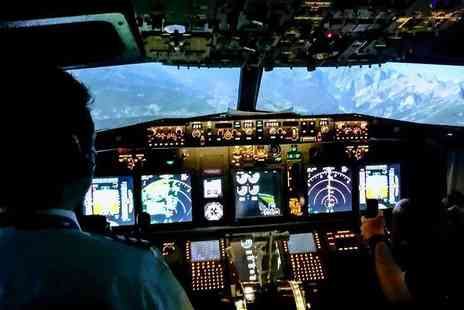 Virtual Flight Experience - 30 or one hour minute 737 flight simulator experience - Save 57%
