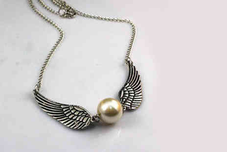 Forever Cosmetics - Harry potter inspired winged necklace - Save 70%