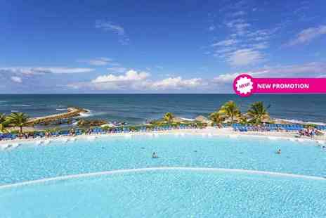 Tempting Holidays - Seven night 5 Star all inclusive Jamaica break with Junior Suite Superior upgrade and Montego Bay city tour - Save 65%