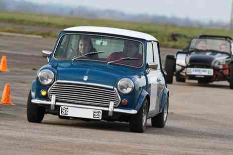 Buyagift - Six lap Classic Mini Cooper driving thrill - Save 0%