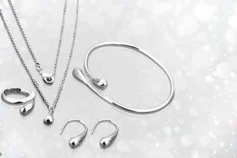 Shop Chainz - Silver finished tear drop jewellery set - Save 91%