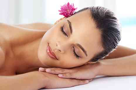 Glamformation the Make Up Studio - Back, Neck and Shoulder Massage or Oil Massage and Mini Facial - Save 33%