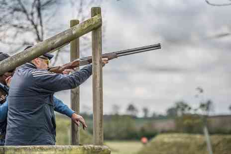 Honesberie Shooting - Clay Pigeon Shooting Experience with 25 Shots for Up to Four - Save 33%