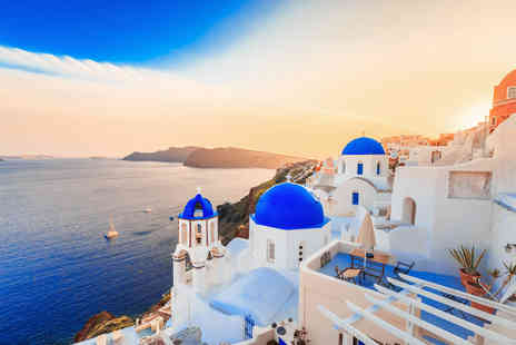 Crystal Travel - Four or Seven night Santorini stay with breakfast and flights - Save 32%