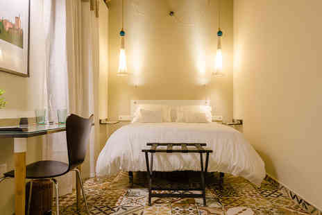 La Luna en el Alba - Traditionally Granadan Renovated Family Home Boutique For Two - Save 49%