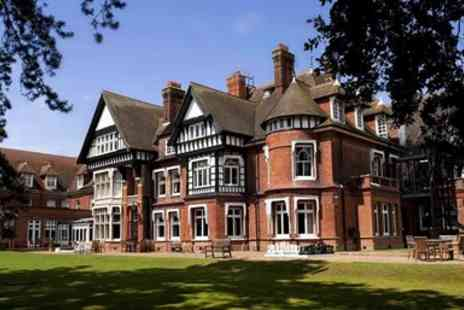 Woodlands Park Hotel - Meal & bubbly for 2 in Victorian mansion - Save 47%