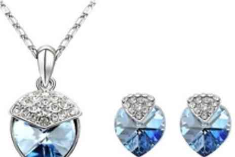 AMA Gifts - Crystal Jewellery Set made with Swarovski Elements - Save 70%